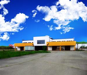 Poslovni objekat sa zemljištem u Laktašima