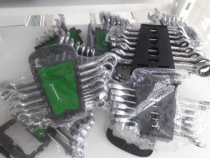 Set kljuceva sa okretaljkom od 8 do 19 mm