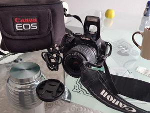 DIGITANI APARAT Canon 400D SA TORBOM FULL OPREMA