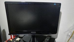 Samsung FHD 1080p monitor
