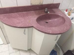 Ormaric za kupatilo s lavabom