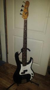 WASHBURN Bas gitara
