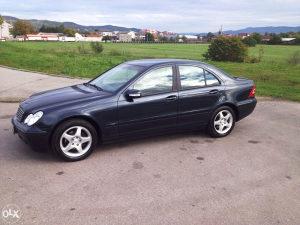 Mercedes Benz  C200 W203