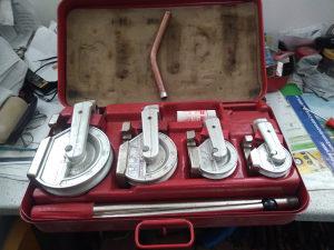 Mašina za ručno savijanje cijevi