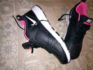Pume Nike