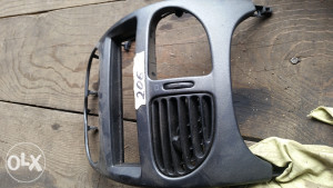 Peugeot 206 plastika ventilacije