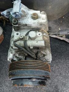 Kompresor klime BMW E39 2.3 benzin