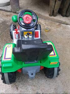 PILSON visokokvalitetni traktor na akumulator