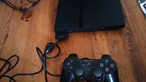 Playstation 2 slim čipovan sa PES 18 i GTA San Andreas