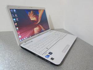 """Laptop Toshiba 15.6"""" i5-M450 / 8GB/750GB/Gejmer 6mj.gar"""