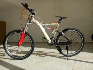Mongoose downhill bicikl