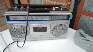 Radio kasetofon