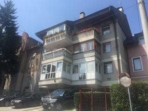 Trosoban stan u Sarajevu općina Centar