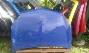 Prednja hauba Renault Reno Clio  02