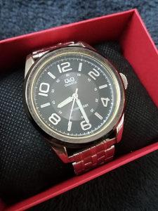 Q Q muški rucni sat
