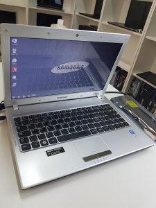Laptop SAMSUNG i3, 4gb ddr3, 160gb hdd,13.3 led
