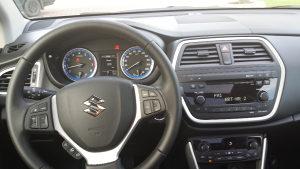 Suzuki SX4 S-Cross GL+ panorama