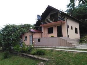 Kuća u Banjaluci, Česma