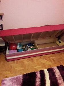 Lezaj krevet