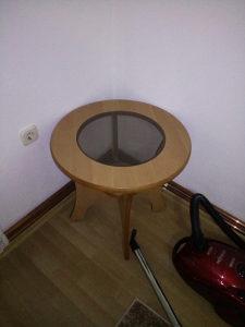 Ukrasni stolić okrugli