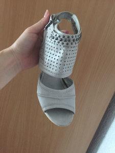 5 pari obuće