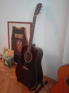 Akustična gitara Fender - Ozvučena