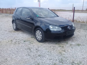 Golf 5 1.9 TDI Model 2004 Godina ocarinjen