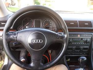 Audi A4 prodaja dijelovi 066775998