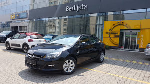 Opel Astra J sedan 1.6b AT6