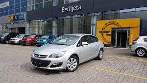 Opel Astra J sedan 1.6b/SOLD