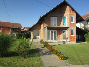Kuća na sprat površine 86 m2 u osnovi 2690/DŠ