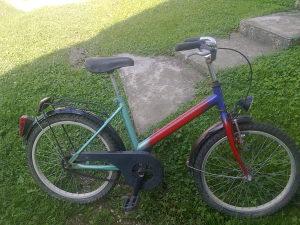 Mali bicikl i 2 velika sve felge gume sa slika za 250KM