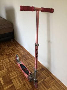 Romobil Scooter