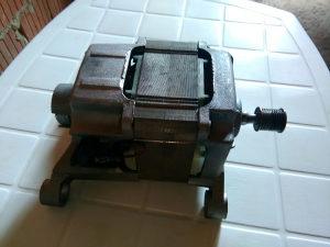 Motor za veš mašinu INDESIT