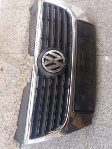 PREDNJA MASKA VW PASSAT 6
