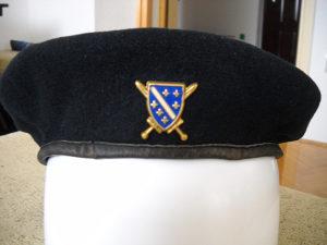 Beretka crna sa oznakom Armije RBiH 1