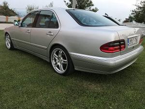 Mercedes E320 CDI Avantgarde Perfektan Stanje 10/10