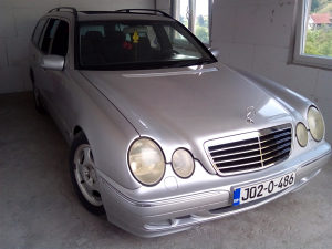 Registrovan cjelu go Mercedes e270 220 cdi avantgard