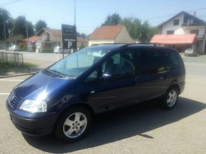 Volkswagen Sharan 2001 god 1.8t plin ekstra stanje