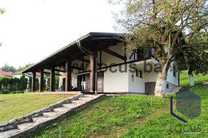 LOCUS prodaje: Atraktivna kuća, lijep pogled, Poljine