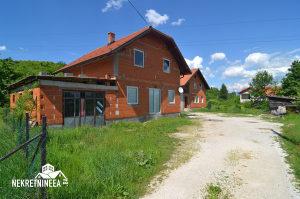 Prodaje se Kuca i zemljiste u Sarajevu Ilidza Blazuj