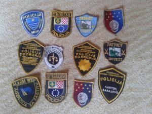 LOT 12 POLICIJSKI AMBLEMA SAMO DANAS 33 KM
