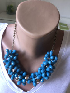 Ogrlica zenska , lančić Srebreni, plavo kamenje
