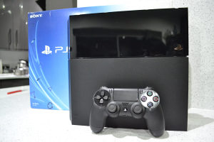Playstation 4 Slim PS4 500gb Crni NOVO 2 god.garancija