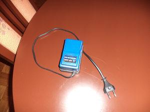 Vazdusna pumpa za akvarijum i mrezica