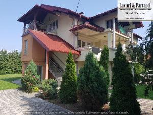 Luxuri & Partneri iznajmljuje : Kucu na Ilidzi -Pejton