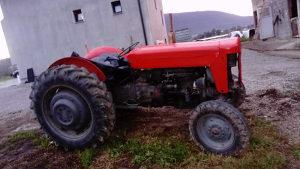 Traktor MF 65