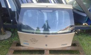 Zadnja hauba Fiat Punto 2  2002 2vrata