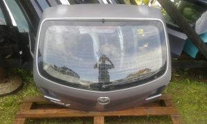 Zadnja hauba Mazda 3