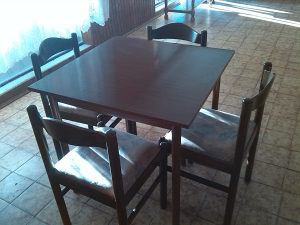 stol i stolice za kafanu, birtiju,inventar